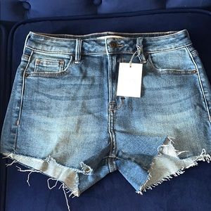 New With TAGS Sofie Mom Jean cut off shorts